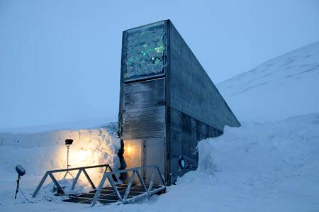 http://carthoris.free.fr/Images/Svalbard%20-%20Front.jpg