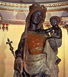 http://carthoris.free.fr/Images/Vierge%20noire%20de%20Paris.jpg